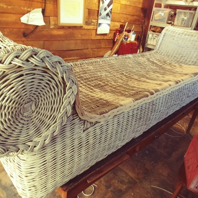 wicker daybed during